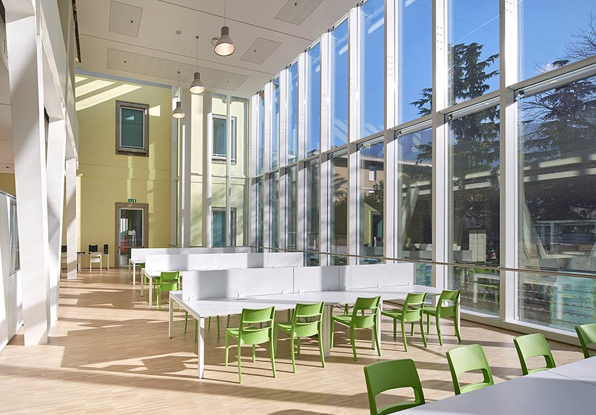 Sala lettura Politecnico di Milano sede di Lecco